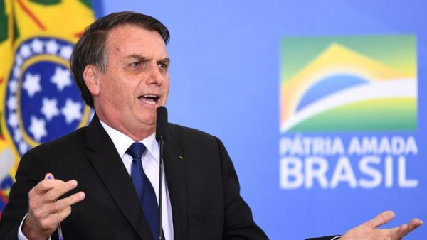 Bolsonaro corta mais R$ 1,4 Bi e ataca de novo a educação