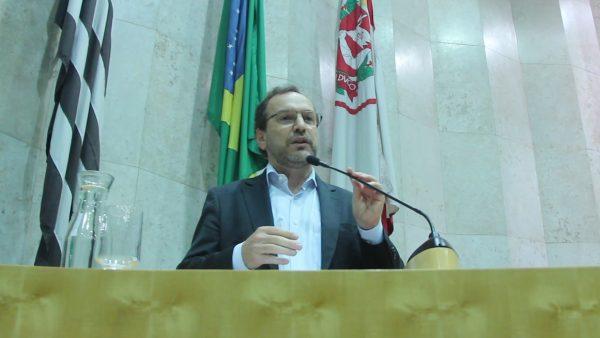 Câmara aprova emenda de Giannazi que amplia licença-paternidade