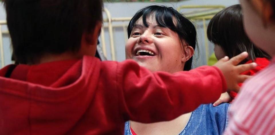 Em 2012, Noelia Garella se tornou a primeira pessoa com síndrome de Down a trabalhar como professora da rede pública de ensino da Argentina.