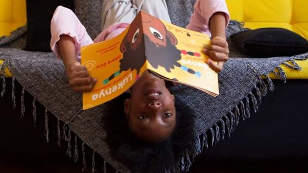Obra infanto-juvenil fortalece cultura e identidade de crianças negras