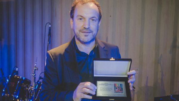 Giannazi recebe prêmio de ativismo e direitos humanos