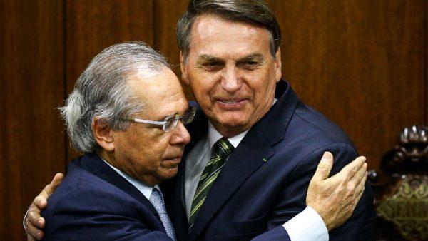 Guedes não tem plano para proteger trabalhador informal da crise do Covid-19