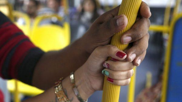 43% das mulheres paulistanas já sofreu assédio no transporte público