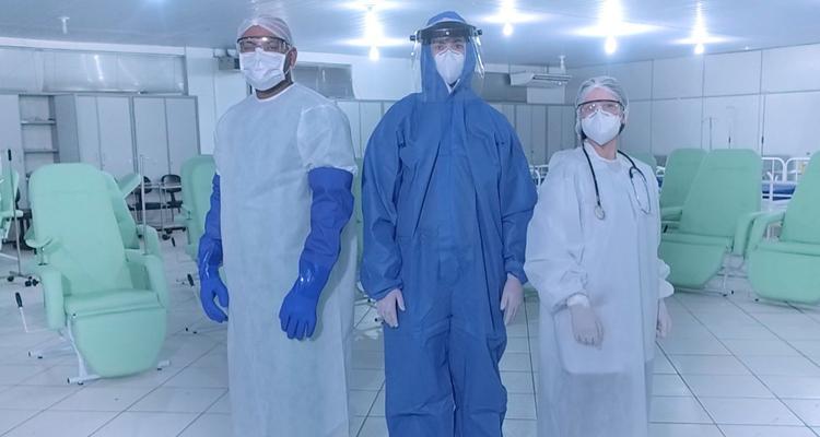 Os profissionais na linha de frente de combate ao coronavírus estão correndo sério risco de contaminação devido à falta de EPI's nos hospitais e Unidades de Saúde do município.