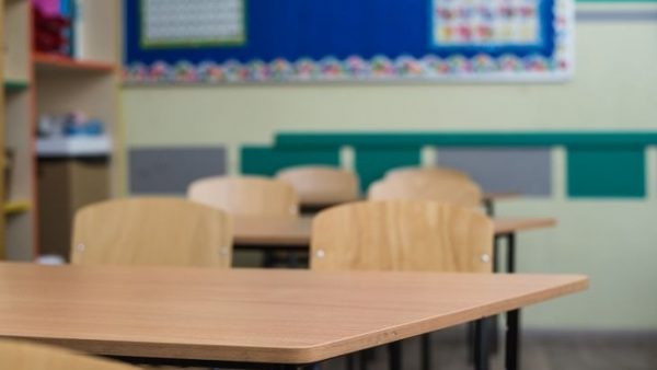 Petição no MP contra a convocação de professores para entrega de cartões alimentação e materiais educacionais