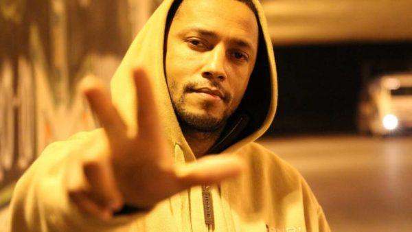 """Hip-Hop com DJ Cia no """"Em Casa Tem Cultura"""""""
