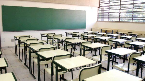 Celso Giannazi oficia a SME exigindo semana de recesso escolar para estudantes e profissionais da educação