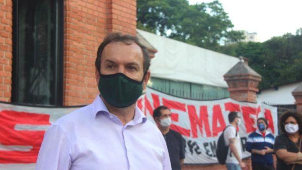 Celso Giannazi participa de ato em protesto aos 300 dias de abandono da Cinemateca