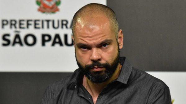 Celso Giannazi aciona o MP contra mudança nas revisões de contratos com a Prefeitura