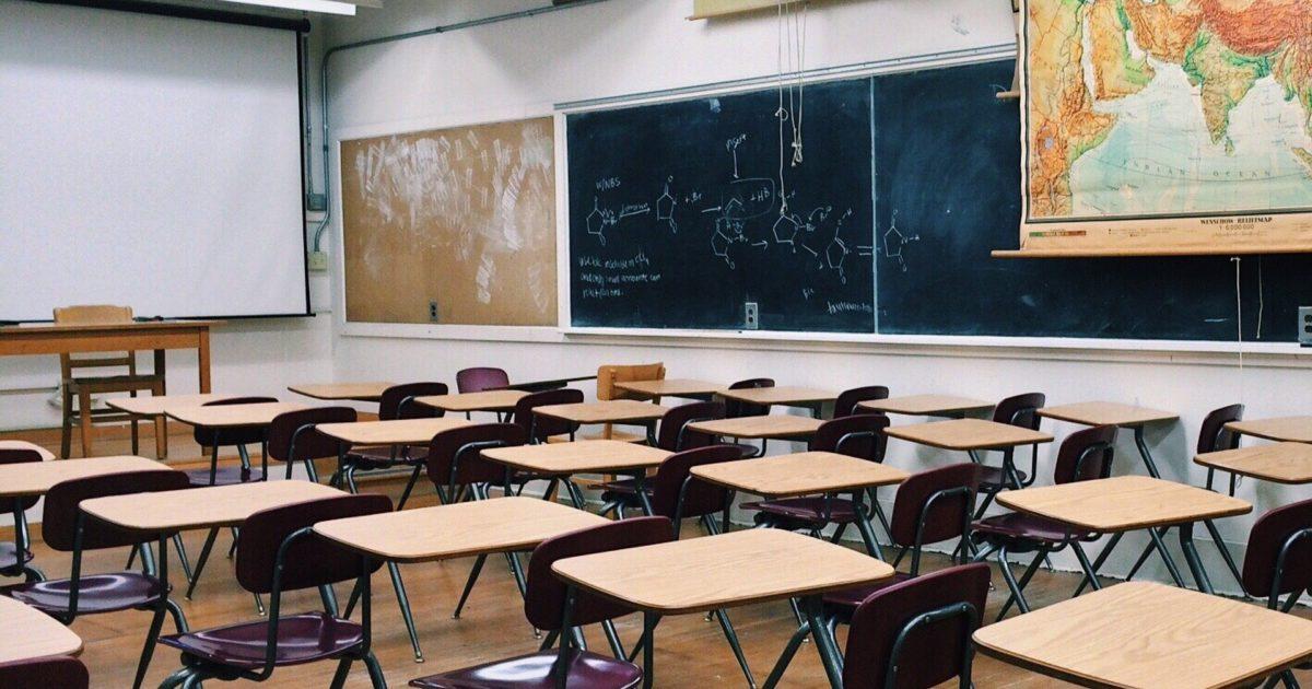 A gestão Covas coloca profissionais da Educação e toda a comunidade escolar em risco