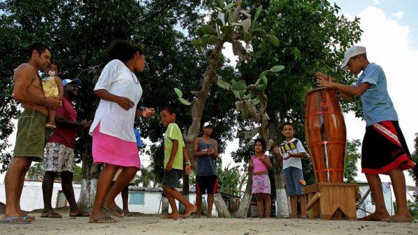 Celso Giannazi questiona Secretarias de Saúde sobre cronograma de vacinação de quilombolas e indígenas