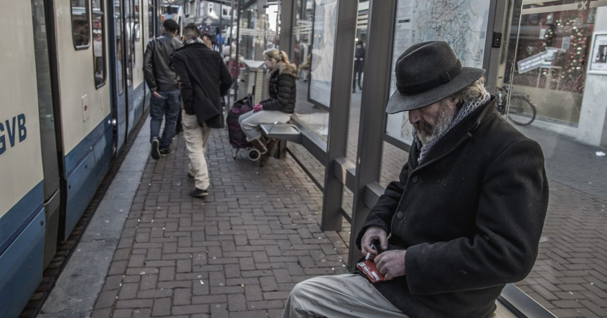 Às vésperas do Natal de 2020, Covas e Doria acabaram com a gratuidade do transporte para idosos. Desumanos!