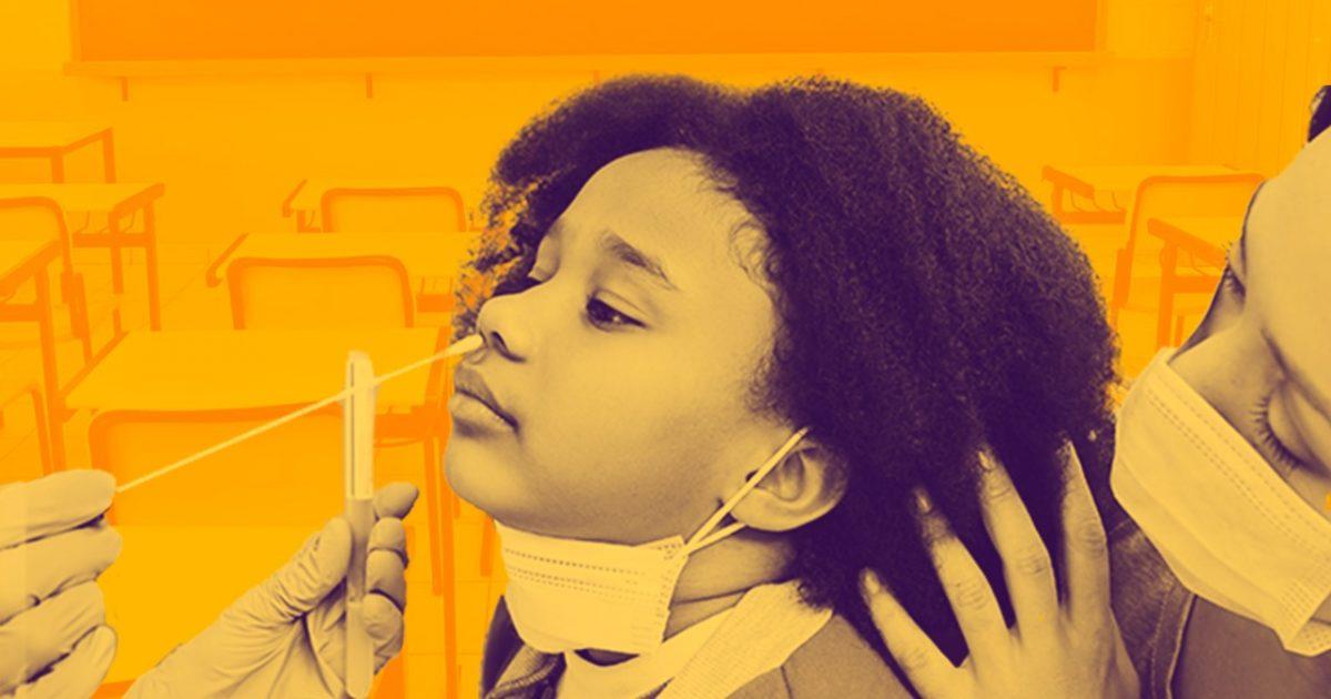 Testar e vacinar crianças e adolescentes é a saída para garantir segurança sanitária nas aulas presenciais.