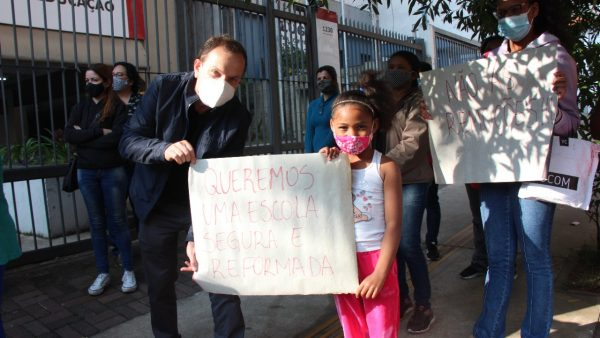 Vereador Celso Giannazi e deputado Carlos Giannazi acionam o MP contra a transferência forçada de alunos do CEU Capão Redondo!